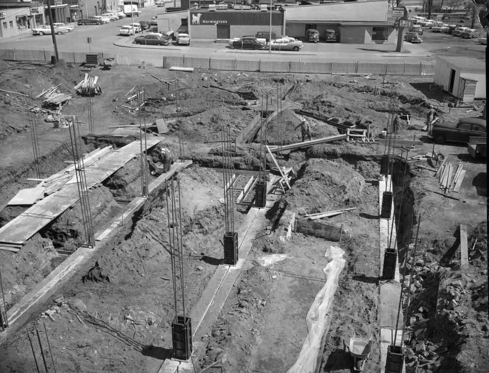 Construction of the Tribune Building